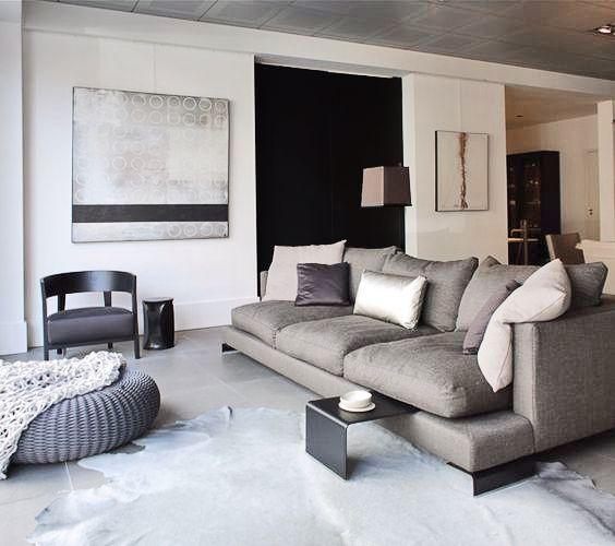 Bekleding Flexform's Long Island sofa adorns this chic living room. #flexform #flexformny…
