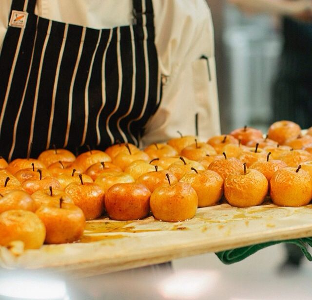 Baked apples #sirrometwines