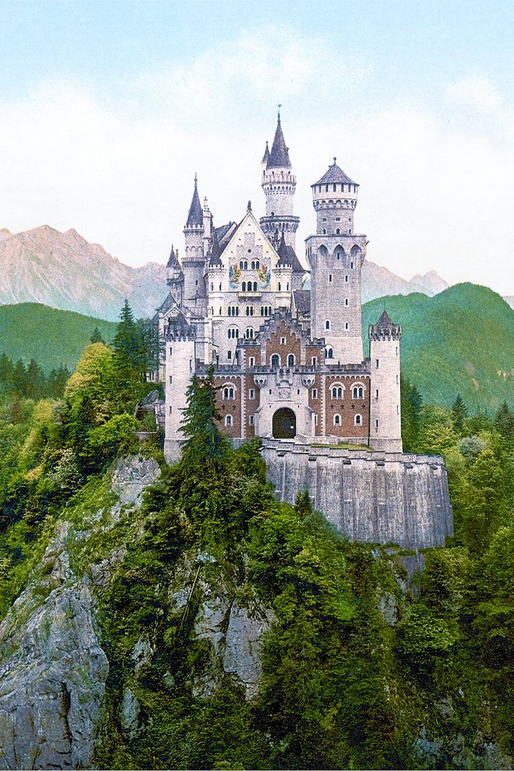 Do you want to know which are the most beautiful castles in Europe that will tickle your wanderlust? Read this post and know what!