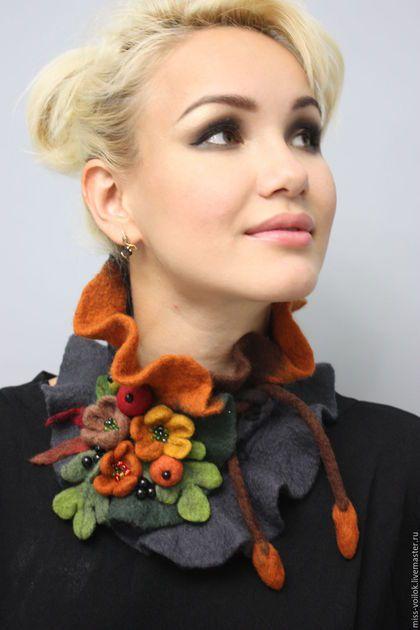 Купить или заказать Шарф 'Осенний этюд'(валяние) в интернет-магазине на Ярмарке…