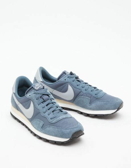 Nike Air Pegasus 83 these would be a great addition to my Tarheel style.