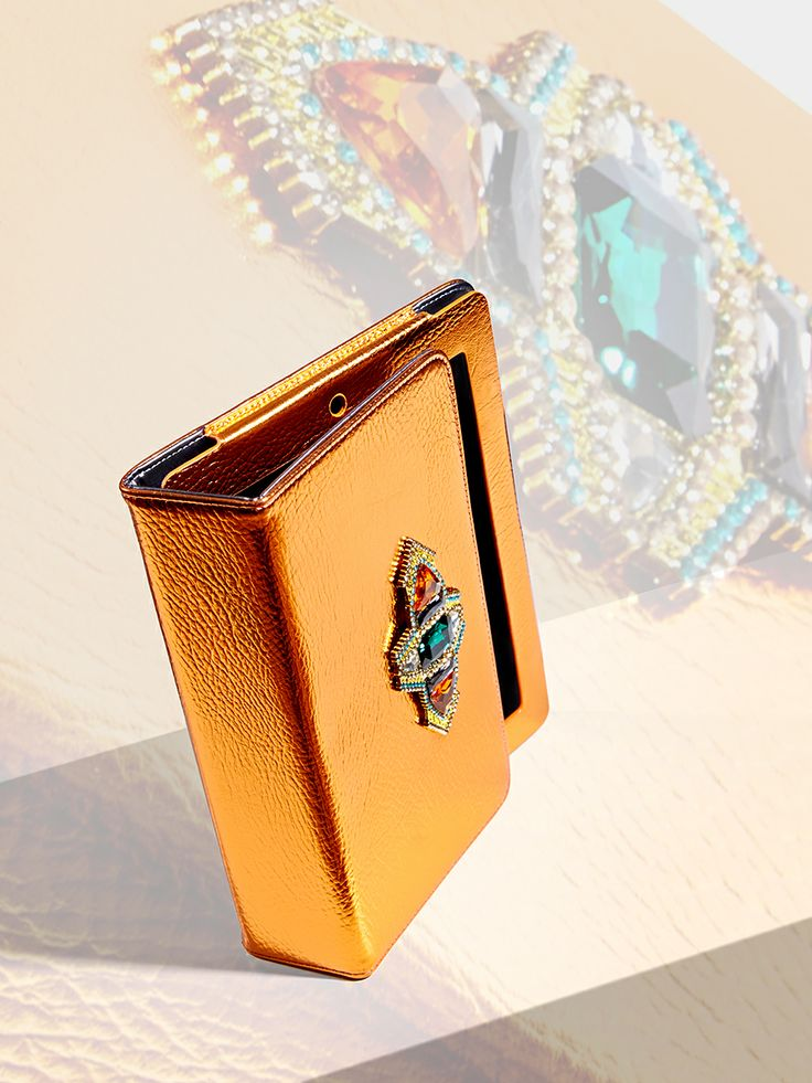 Our chic metallic Jay iPad case features a luxe emerald charm. Get yours here: http://www.skinnydiplondon.com/products/iphone-4-4s-bombay-case