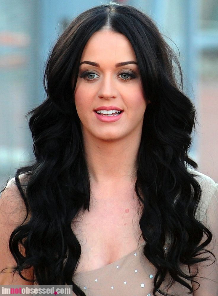 Katy Perry my hair inspiration! a part down the middle and curls KP style! simple