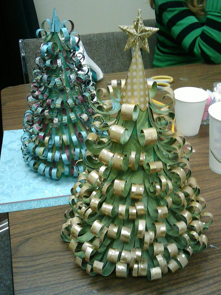 Fun Scrap Paper Christmas Decorations.