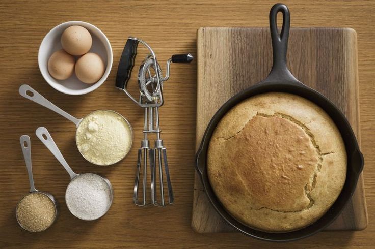How to Make Cornbread in a Skillet