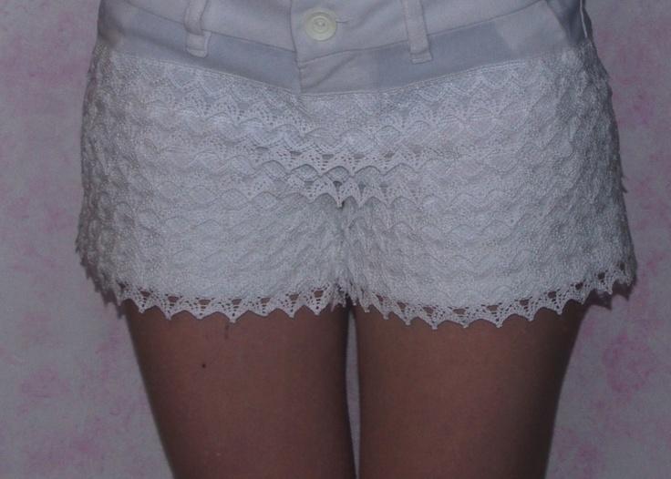 pantaloni con merletto