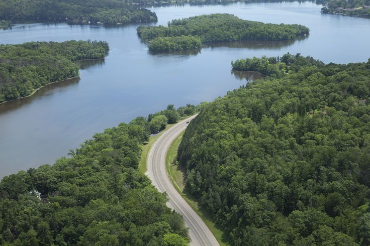 MISSISSIPPI: The Mississippi River, which effectively splits the country in half, is both beautiful and dangerous. Inclement weather can cause devastating flooding in the area.  Source:National Weather Service (Photo via Shutterstock)  via @AOL_Lifestyle Read more: https://www.aol.com/article/lifestyle/2017/06/14/the-most-breathtaking-natural-wonder-in-every-state/22140332/?a_dgi=aolshare_pinterest#fullscreen