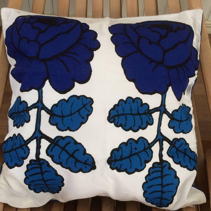 Maalaisruusu pillow cushion case, 42x42cm, 17″, handmade from Marimekko designer fabric, Finland blue and white