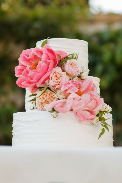 Cake Artist Mauritius : love the simplicity and beauty of the flowers in this ...