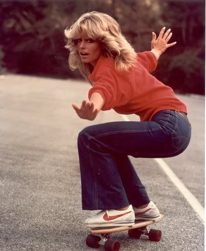 THIS IS STYLE. What could be more 1970s than featheredwaves, flares and 1972 edition Nike Cortez trainers? Better than Black Forest gâteau followed by duck â l'orange, Charlie's Angels star Farrah Fawcett nailed it, captured here on set in 1976. #THISISSTYLE