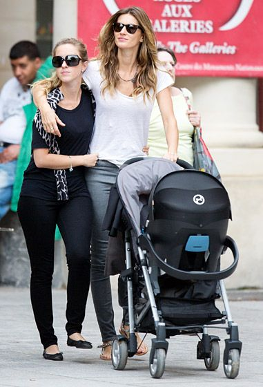 Sister Bonding Trip Gisele Bundchen and sister Rafaela (plus Gisele's little girl Vivian in the stroller) took in the sights together in Paris June 20.