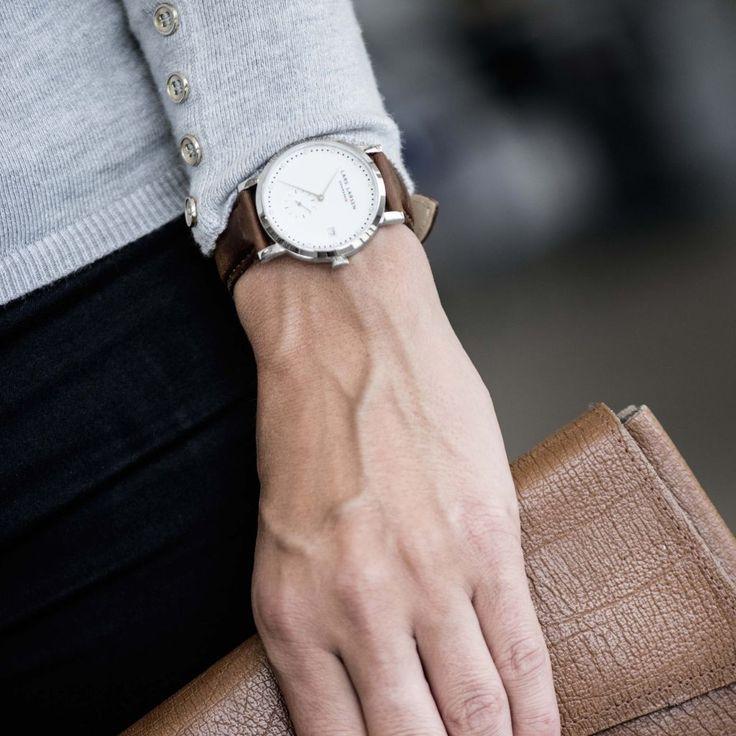 Keep it #classy. #style #stylish #classic #dresscode #fashion #larslarsenwatch #watch #zegarek #zegarki #elegant #elegancki #butikiswiss #butiki #swiss #dlaniej