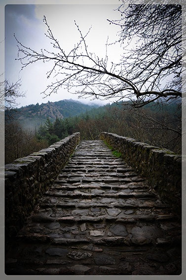 At the start of the old saint Vissariona's bridge.