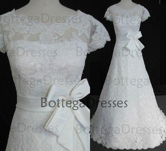 Una gorra de línea mangas vestidos de novia por BottegaDresses, $459.00