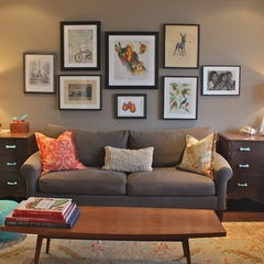 eclectic living room My Living RoomDecor Ideas, Living Rooms, Livingroom, Gallery Walls, Eclectic Living, Living Room Designs, Pictures Arrangements, Studios Couch, Pictures Frames