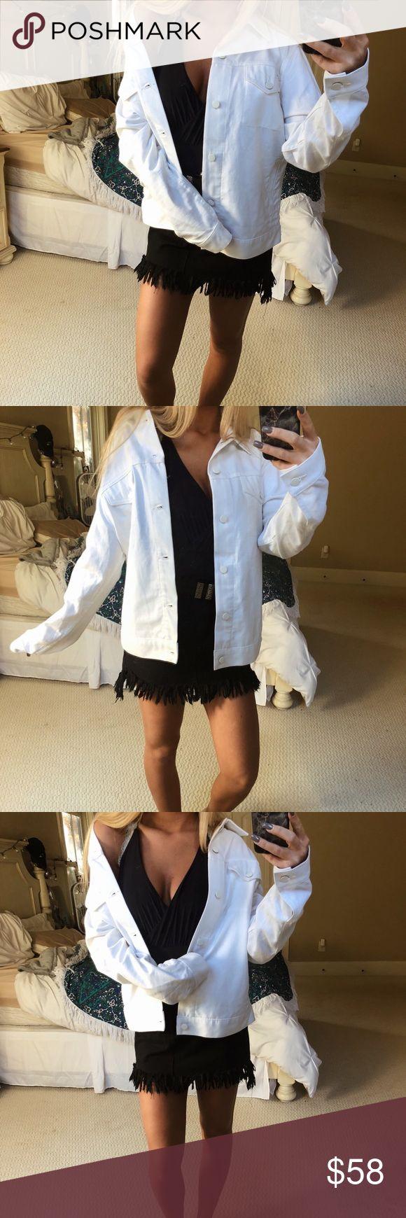 white AA denim jacket gorgeous white American apparel denim jacket. super high quality and cozy! oversized, boyfriend style fit. size medium — worn once 🌿🌿🍂☕️🌄✨ American Apparel Jackets & Coats Jean Jackets