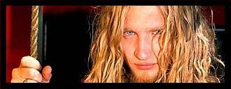 Layne Staley Girlfriend Death | Rise from the dirt I'm in. Hide in anothers skin.