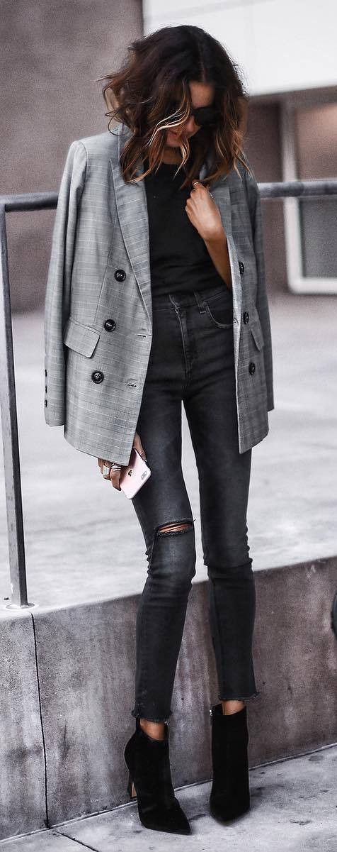 what to wear with a grey blazer : black top + skinny jeans + boots