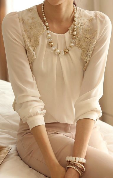 Ruffle long sleeve blouse