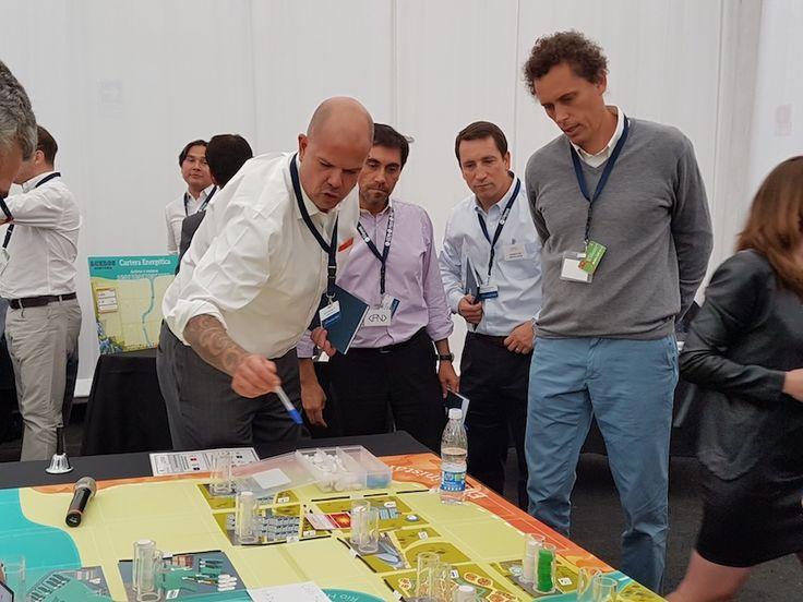 A través de un juego de rol, distintos profesionales desarrollaron técnicas para ir mejorando su entorno en el trabajo y de forma social.