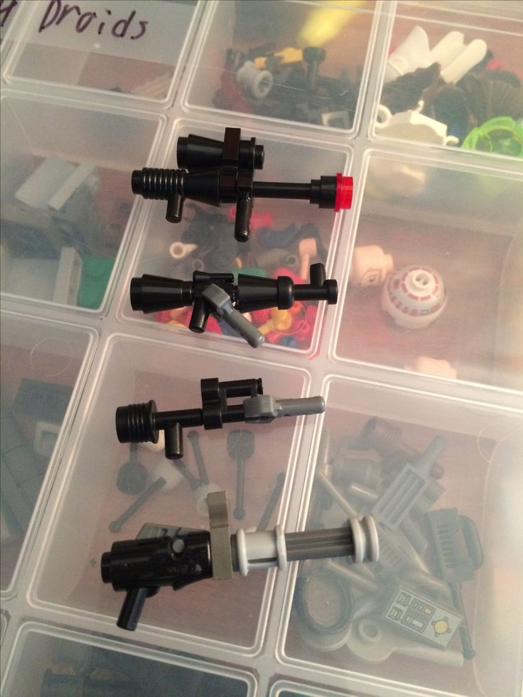 Custom Lego weapons (Top to bottom) Sniper rifle AK-something  Halo battle rifle Chain gun