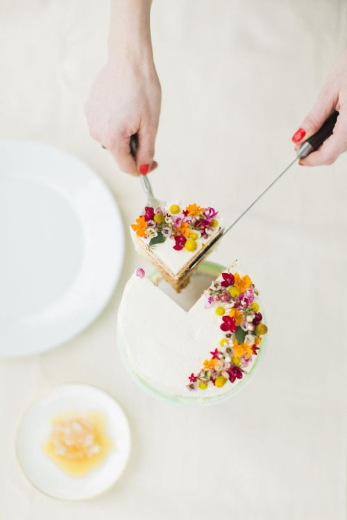 simply-divine-creation: Floral Honey Cake // The School of Styling