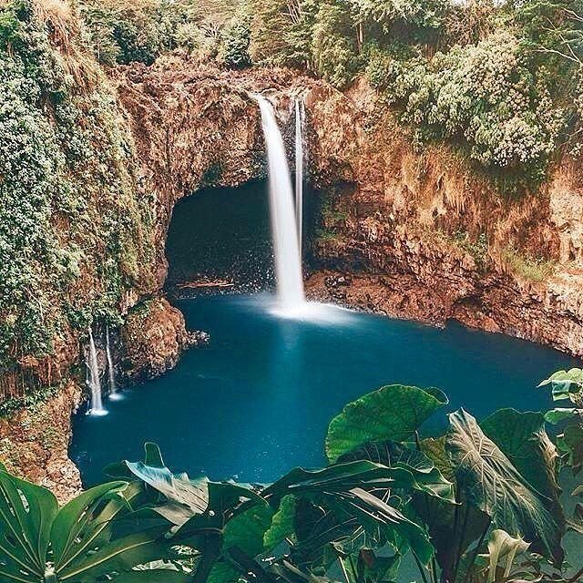 Rainbow Falls located in Hilo, Big Island, Hawaii Photo by @doyoutravel