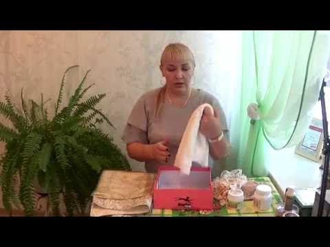 В данном видео я рассказываю, как декорировать обувную картонную коробку. Студия Золотого Яблока на сайт http://goldapple174.ru Интернет магазин товаров для ...