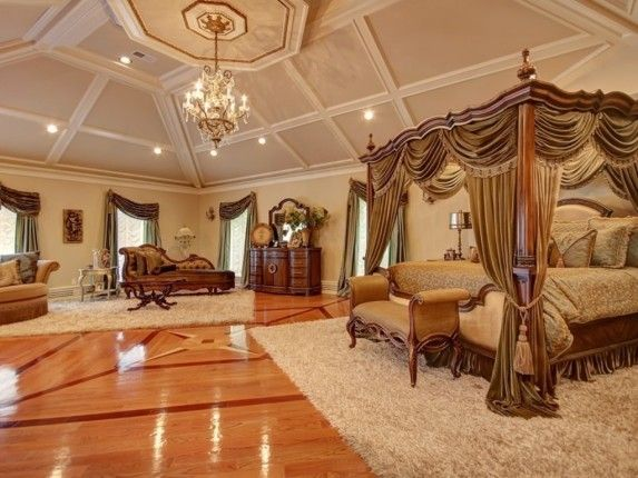 Real Housewife Teresa Giudice Selling This NJ Mansion | Zillow Blog