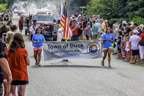 What a great way to spend the Independence Day Holiday... the Duck 4th of July Parade!  #OBX #July4