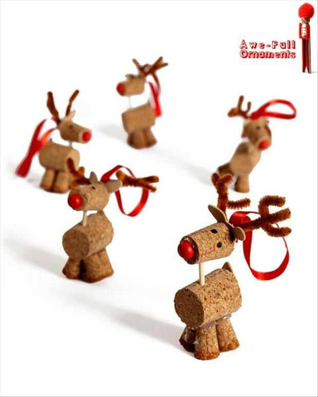 Little Rudolphs made out of corks! #Christmasdecor