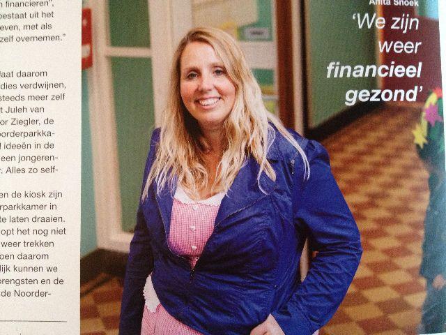 Anita (head of primary school Hannie Schaft) wearing Lola Picnic