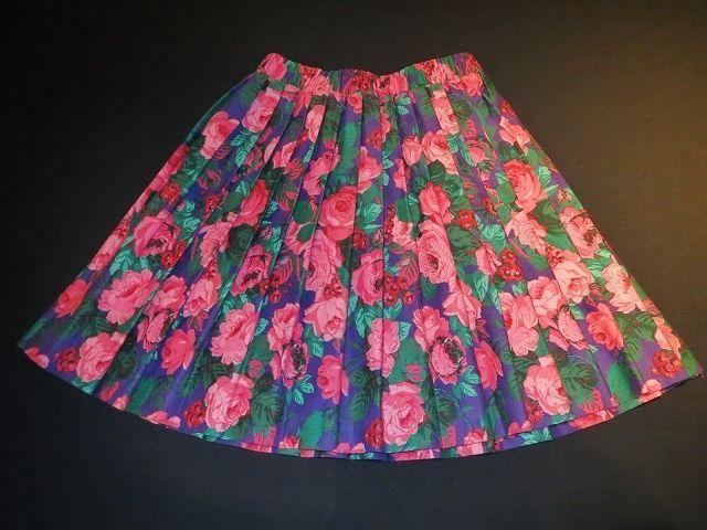 flower print mini skirt / 花柄 薔薇 プリント プリーツ ミニスカート XSサイズ ガーリー カラフル カジュアル 原宿 通販 古着 USED アメリカ ヴィンテージ レディース
