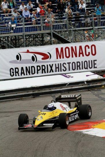 Alain Prost retrouve sa Renault F1 Turbo de 1983