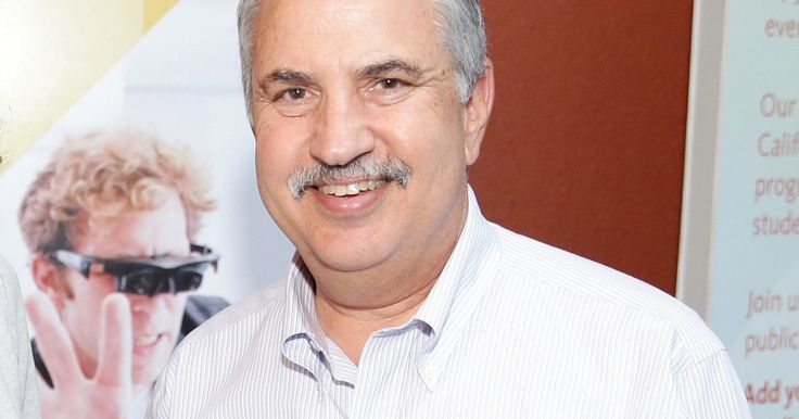 Thomas Friedman Loves Airbnb (for the wrong reasons?)