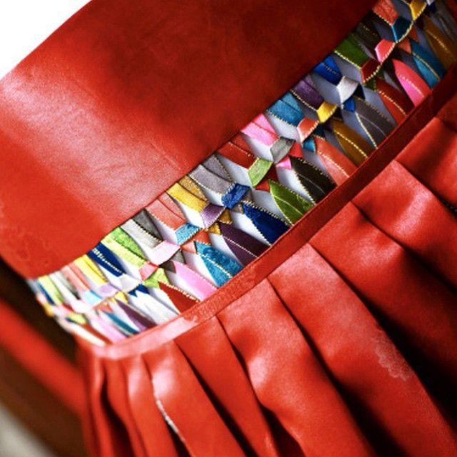 오늘의 #한복 ; 모본단 소목#천연염색 후 동심결로 연결한 치마입니다. #풍경한복#맞춤한복#우리옷#규방공예#조각보