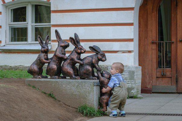 Нормальная реакция человека помочь!)