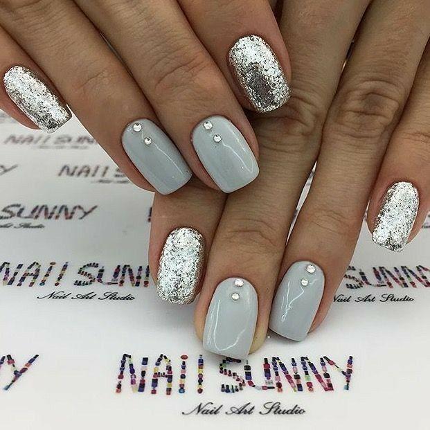 Gray And Silver Nails Acrylic Nails Nails With Rhinestones Nails Silver Glitter Nails Rhinestone Nails