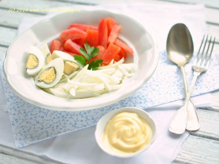 Rajčatový salát s vejci | Blog Mlsné kočky