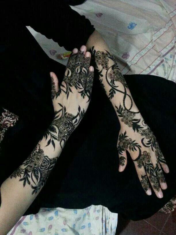 Arabic henna design - United Arab Emirates. #khaleeji