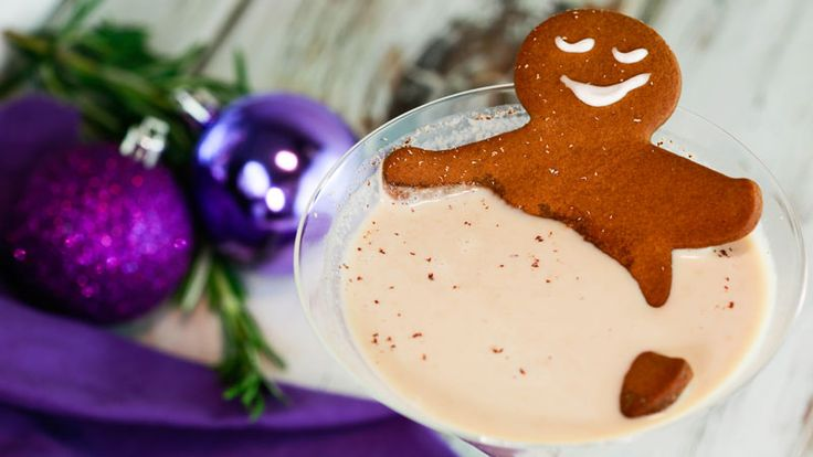 Get ready for the cutest holiday makeover ever. With a little glitter, frosting and other simple accessories, our resident cookie man, Grant, is showing Rachael \(and YOU!\) four new Gingerbread Man looks for the holiday season. These adorable...