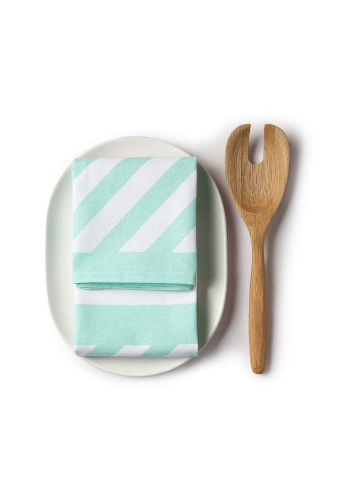 This set of two serving utensils in 100% oak timber features a curved handle and includes a standard and slotted spoon. Country Road Home - Spring 2014