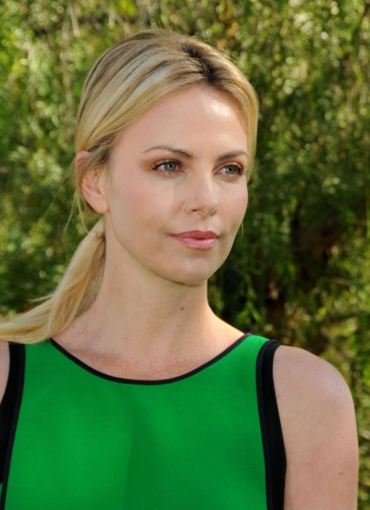 charlize theron - photo #18