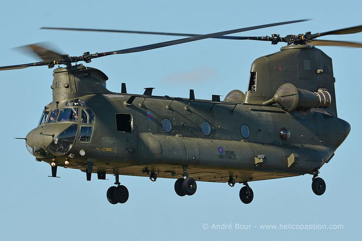 UK Royal Air Force CH47 Chinook helicopter, RIAT 2015, Photo : André Bour