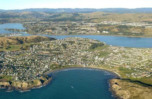 aerial photo of Titahi Bay, 2000.