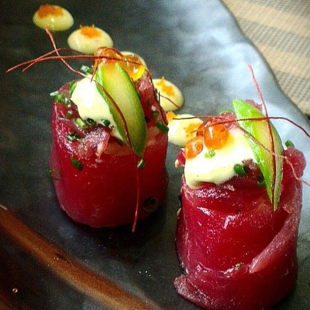 Shout out to @karlosushi. A beautiful picture of maguro gunkan maki! Follow this amazing chef!