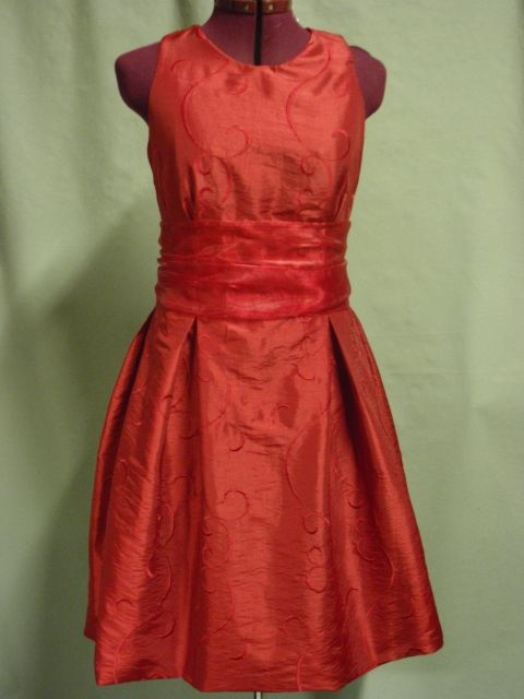 Brokaat rode zijde