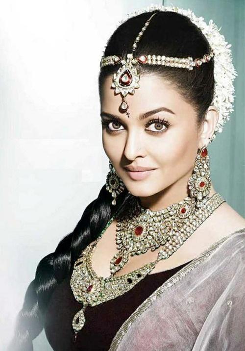 Aishwarya Rai - Kundan Jewelry