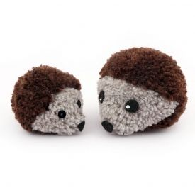 How to make a Pom Pom Hedgehog!!!!!!!!!! Claire, you can make these pom poms but not your wedding ones :) <3