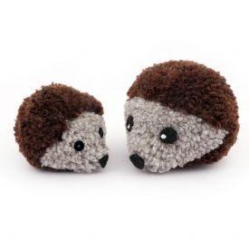 How to make a Pom Pom Hedgehog!!!!!!!!!! Claire, you can make these pom poms but not your wedding ones :) <3